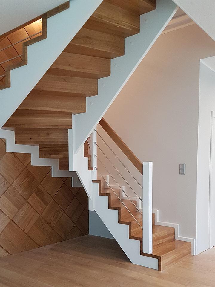Drewniane schody 1/2 zabiegu