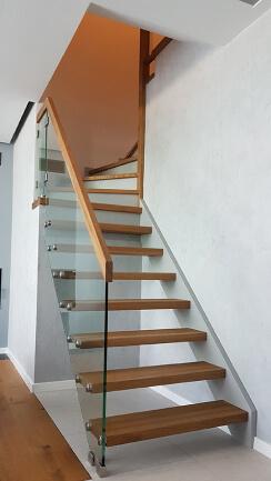 Nowa realizacja schodów samonośnych
