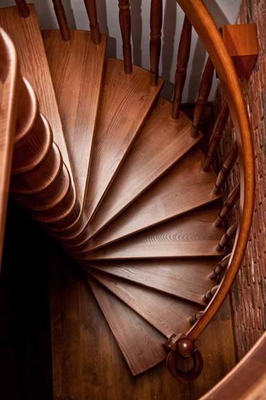 Schody samonośne spiralne