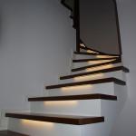 schody na beton z oświetleniem