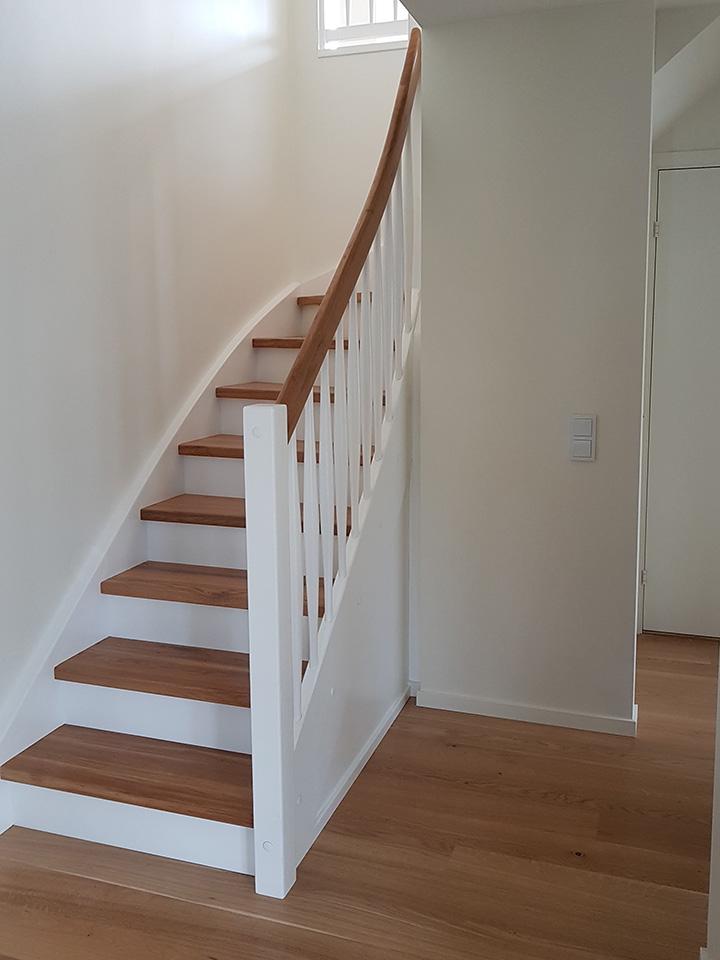 Drewniane schody samonośne