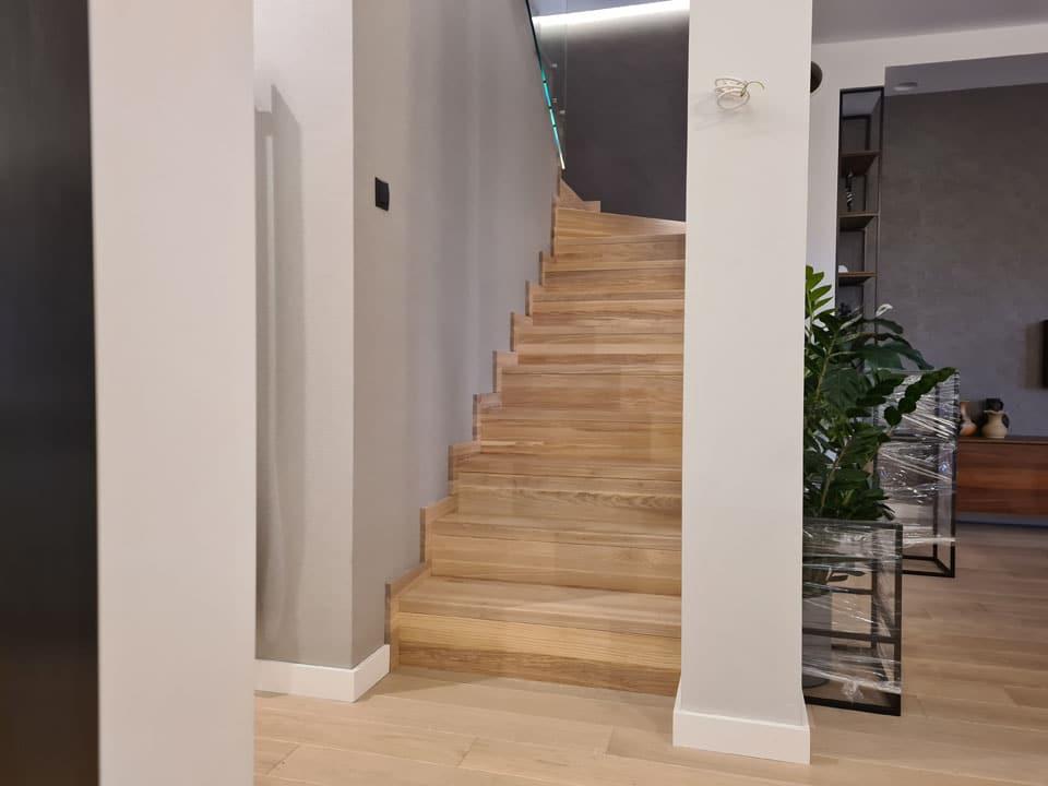 Schody na beton - realizacja 144